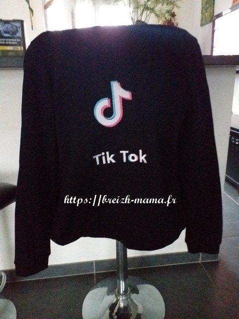 Motif broderie Tiktok logo + texte