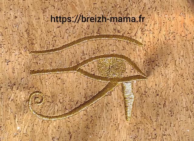 Broderie Oeil egyptien au fil doré 1