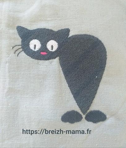 Motif broderie chaton de dos