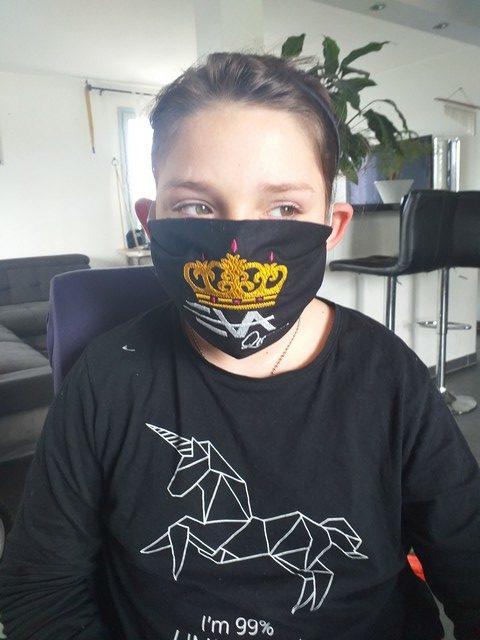 Masque barrière brodé Eva Queen