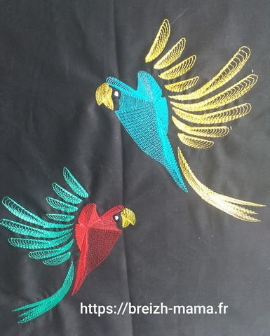 Motif broderie perroquet