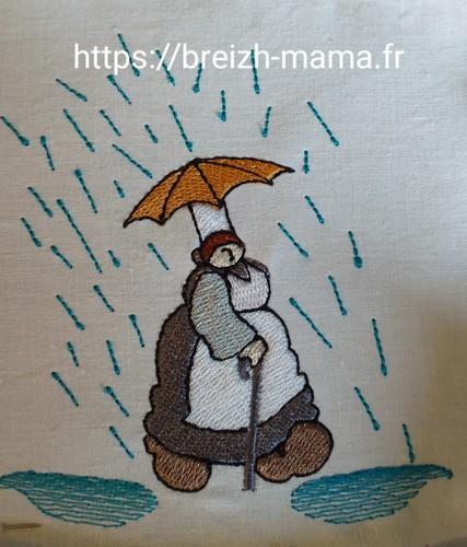 Motif broderie Mam Goudig sous la pluie