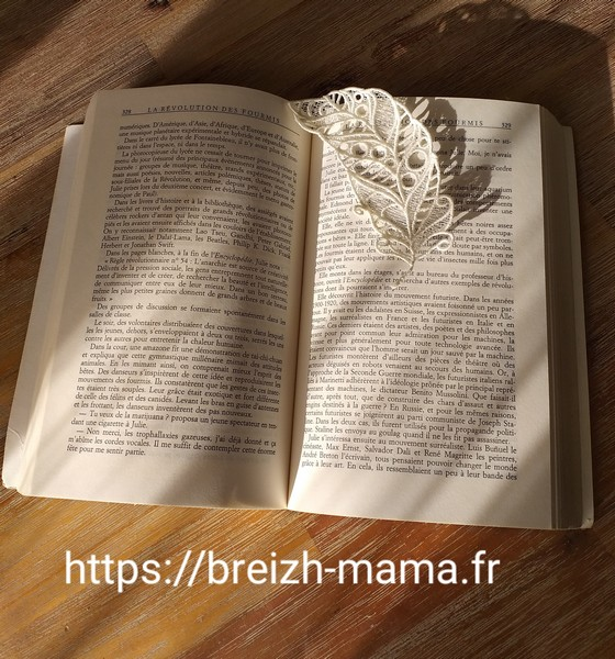 Marque page plume dentelle FSL