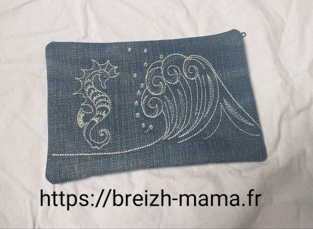 Trousse jeans recyclé brodé vague et hippocampe - verso