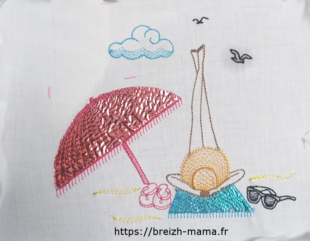 Motif broderie plage femme & mylar