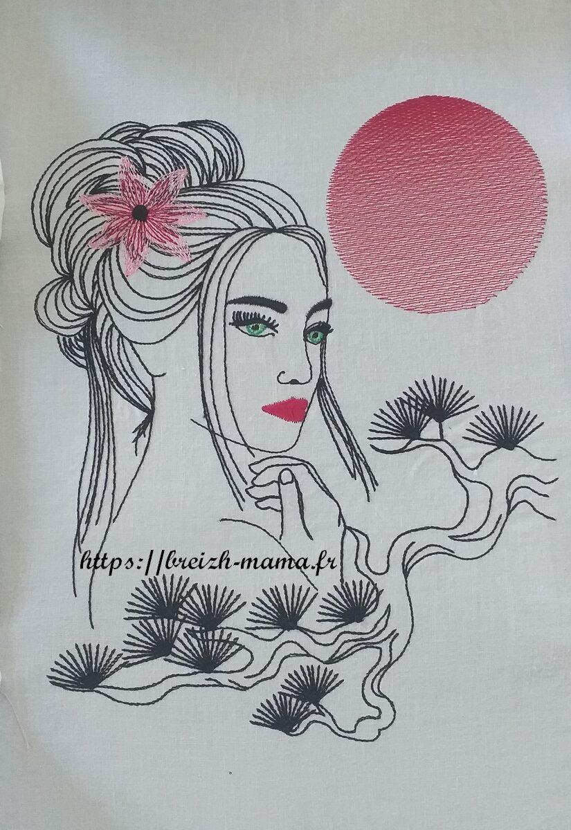 Motif broderie femme décor asiatique