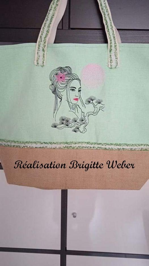 Motif femme asiatique réalisé par Brigitte W.